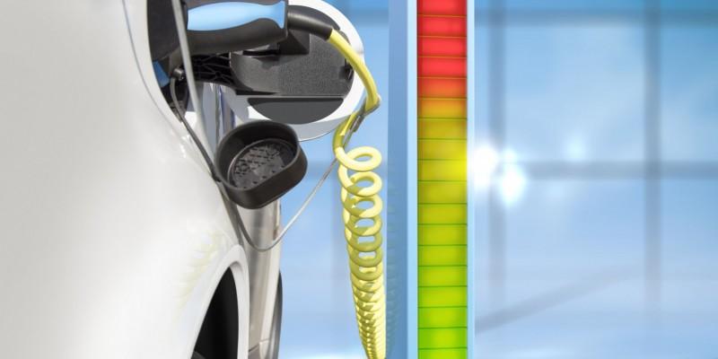 Un cadre de Mazda qualifie la voiture électrique d'inutile