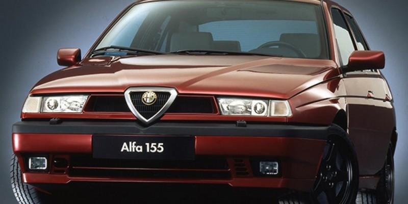 Alfa Romeo 155 Q4 : dans la peau d'une bête de piste déguisée.