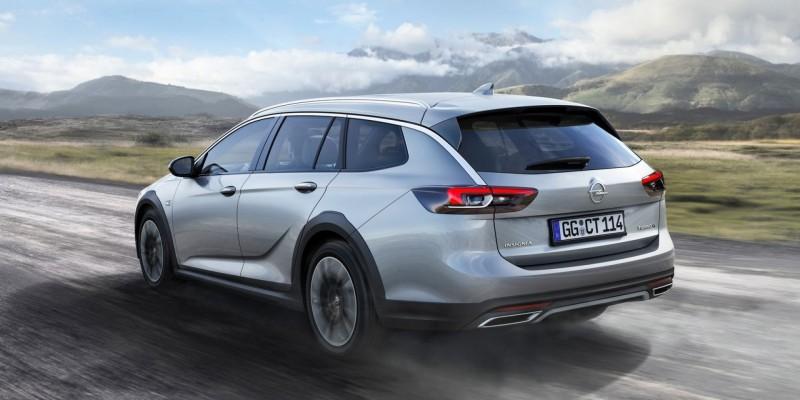 Francfort 2017 : Présentation de l'Opel Insignia Country Tourer.