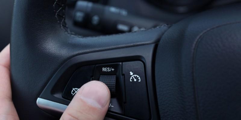 Limiteur et régulateur de vitesse, est-ce que vous y avez songé ?